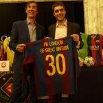 Josep Moratalla, ex-FCB player in the 80s, handing a present to PBL on behalf the FCB Player's Association