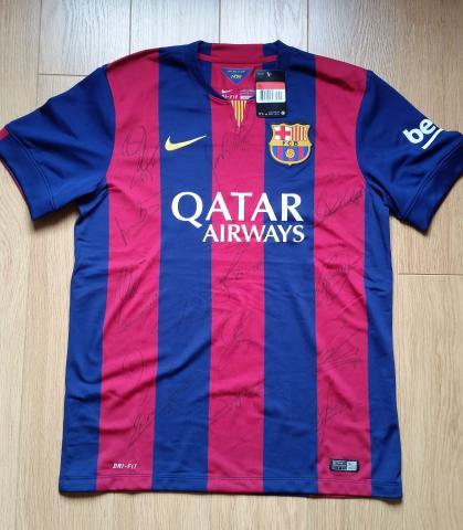 Penya Blaugrana London raffled FCB shirt signed by players to raise money for Nepal orphanages